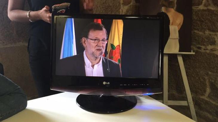 Rajoy vuelve a los plasmas en la campaña gallega (Gonzalo Cortizo/El Diario)