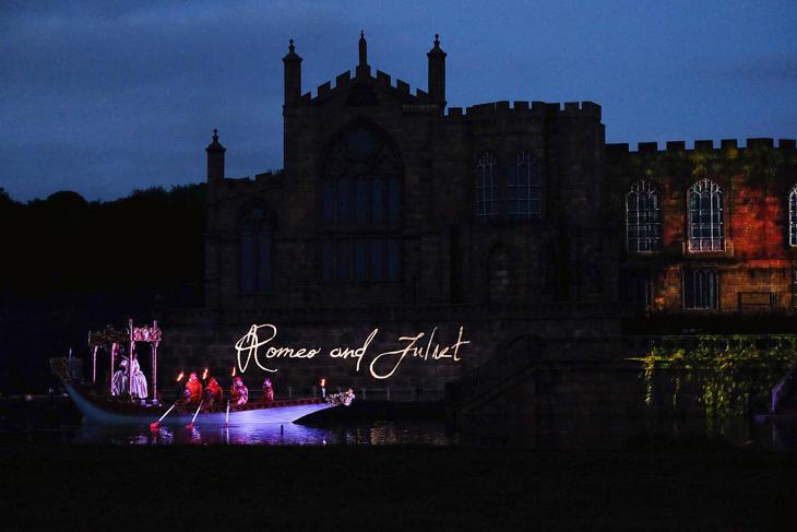 El espectacular homenaje a 'Romeo y Julieta' en un castillo inglés
