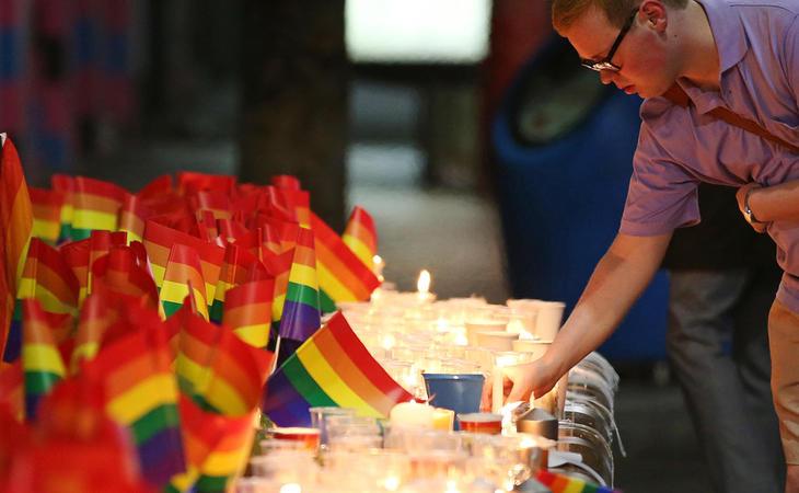 49 personas perdieron la vida en el club gay de Orlando