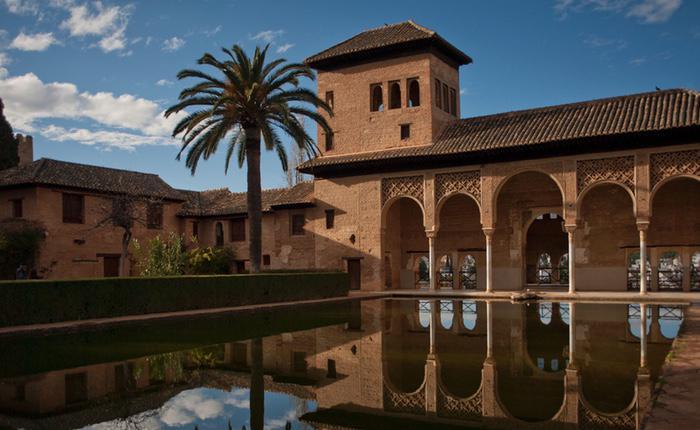 La Alhambra aparece en el último vídeo de la banda terrorista