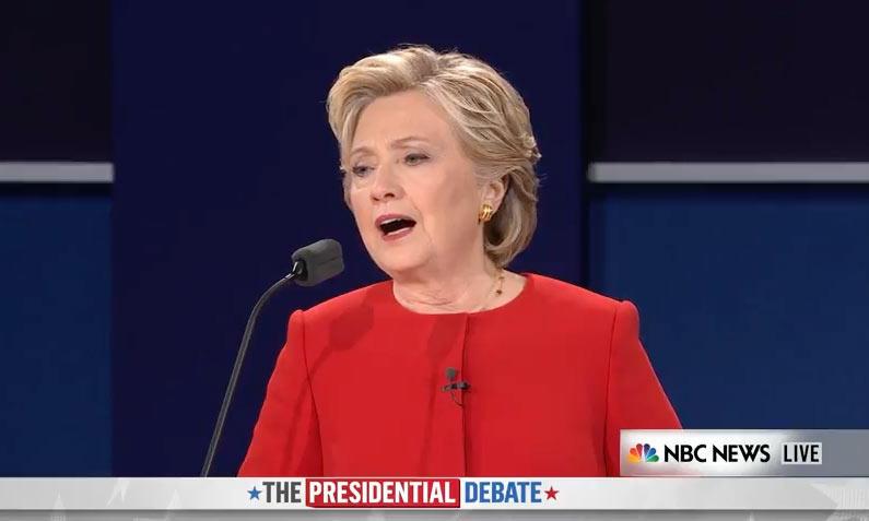 Clinton: 'Si eres demasiado peligroso para coger un avión, eres peligroso para tener un arma'