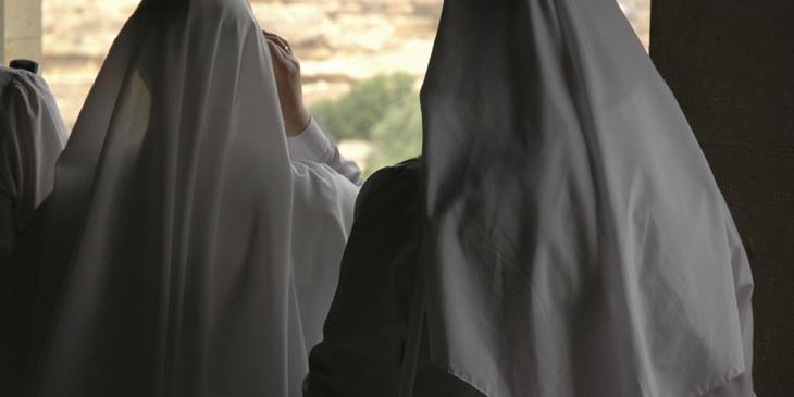 Isabel y Francisca se divorciaron de Dios para casarse entre ellas