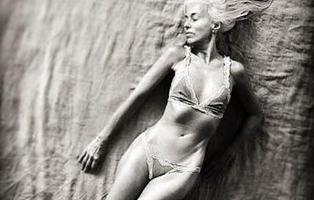 Sesenta años, y es una de las modelos más cotizadas del mundo