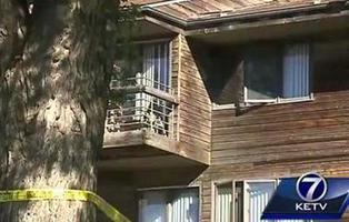 Una adolescente lanza a su recién nacido por la ventana en EEUU