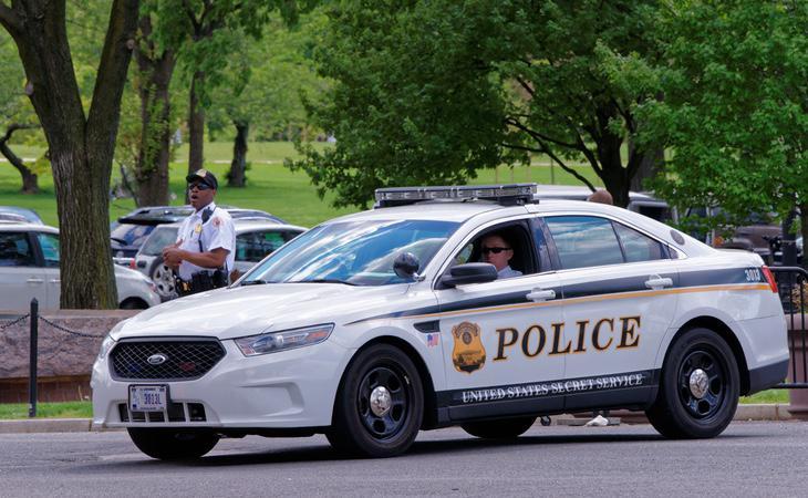 La polícia cree que la causa de la muerte es una sobredosis