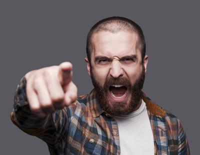 Los hombres son más violentos cuando hay mujeres alrededor