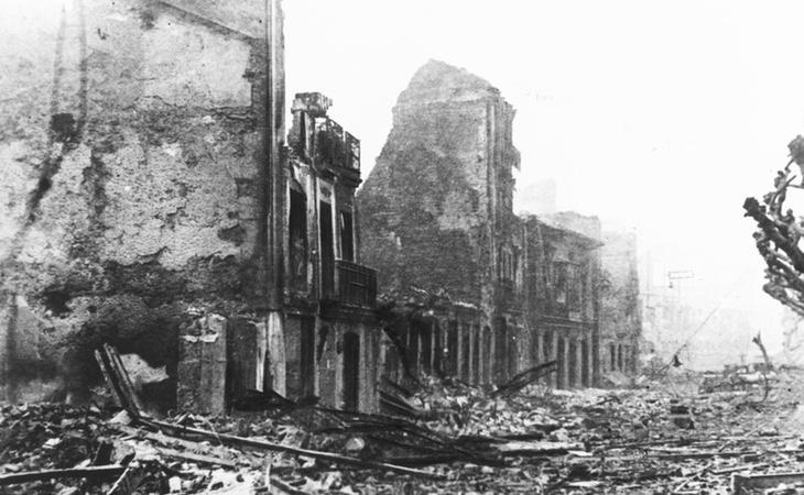 La ciudad de Guernica después del bombardeo