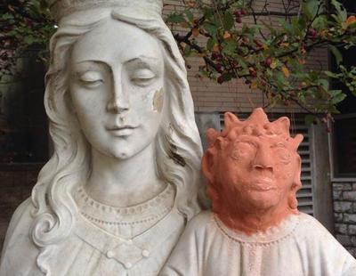 Canadá estrena su propio 'Ecce Homo': el Niño Jesús convertido en Maggie Simpson