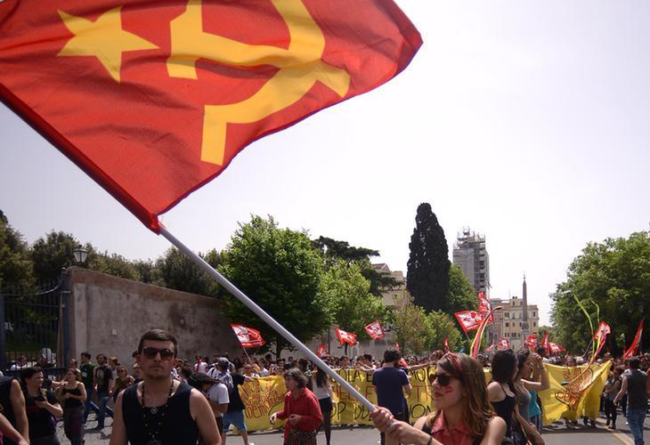 El partido comunista alemán a pesar de ser legal se encuentra bajo vigilancia