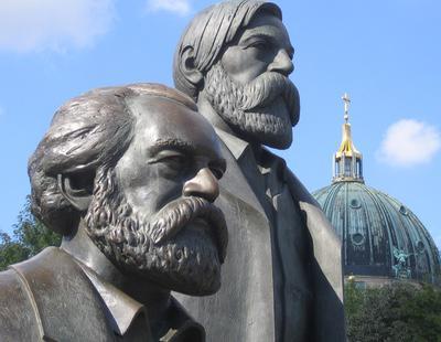 Una ley prohíbe a comunistas ejercer profesiones públicas en Alemania