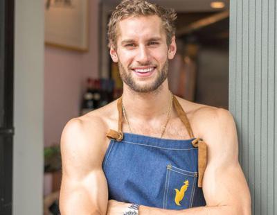 Conoce al chef más sexy del mundo, que además cocina semidesnudo