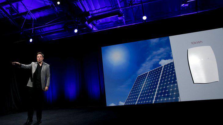 Tesla pretende que a partir de 2017 las casas de todo el mundo produzcan su propia electricidad