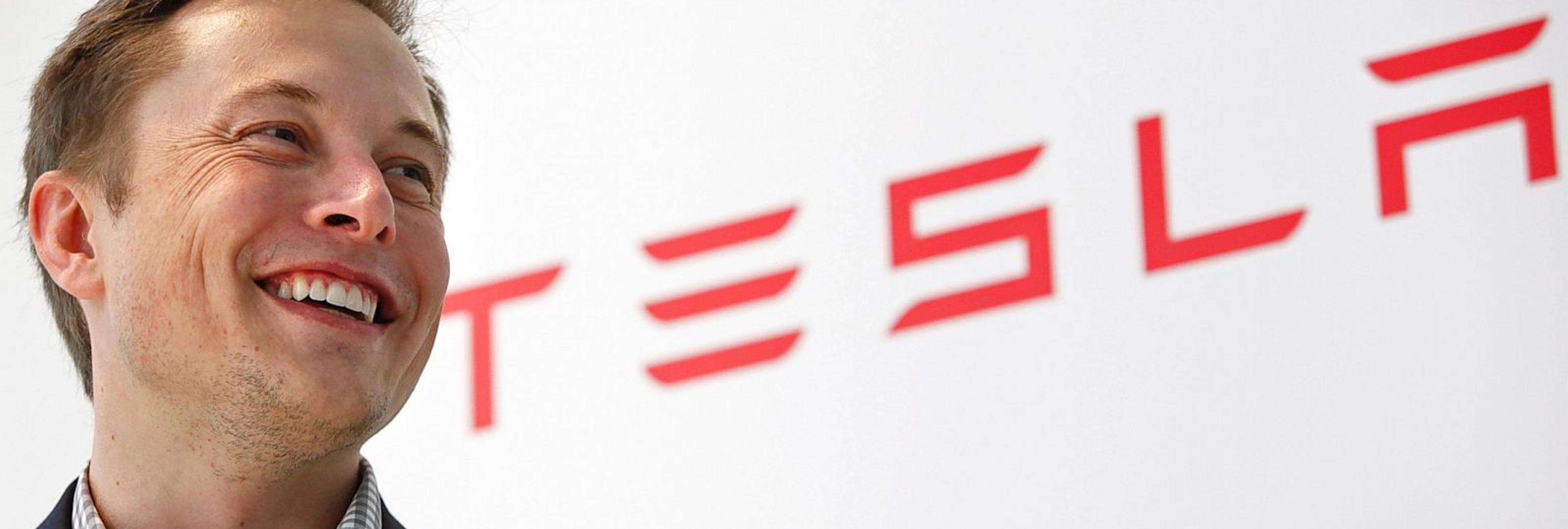 5 momentos en los que Elon Musk, líder de la empresa de coches eléctricos Tesla, se adelantó al mundo