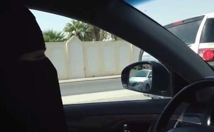 En octubre de 2013, varias mujeres se pusieron al volante como protesta contra las leyes de Arabia Saudí