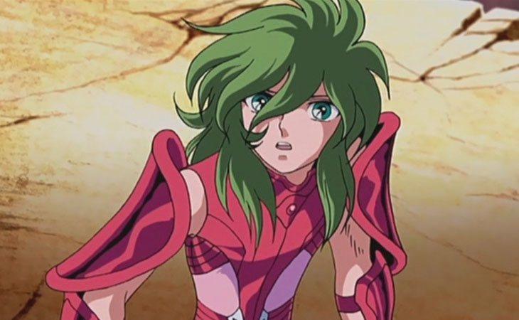 Shun lleva una armadura rosa y tiene un aspecto andrógino