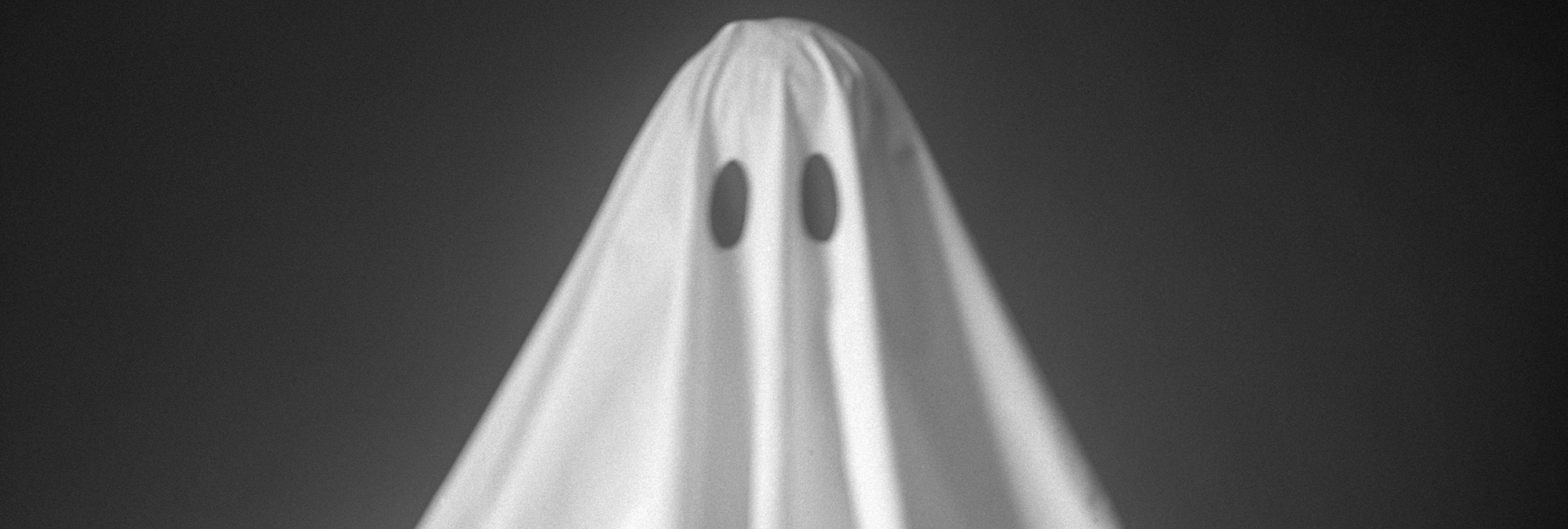 Un youtuber se disfraza de fantasma para una broma de cámara oculta y le matan a tiros