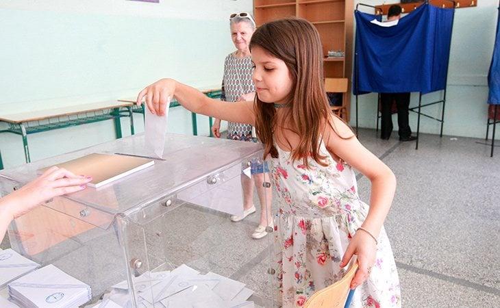 VOX quería igualar los derechos políticos de los menores con los de los adultos