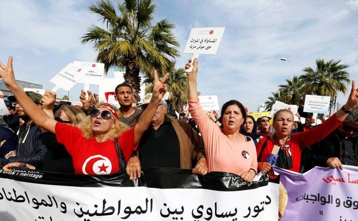 Manifestación feminista en Túnez