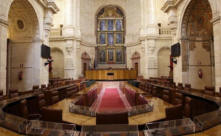El apoyo de los 12 diputados de VOX es fundamental para que el Ejecutivo agote los cuatro años de legislatura