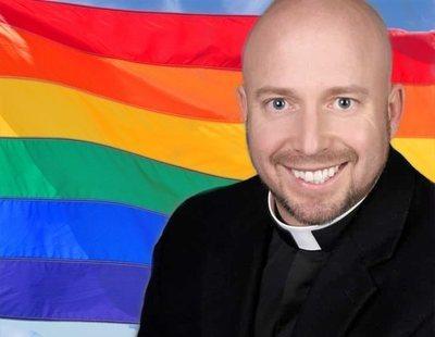 La bandera LGTB fue diseñada por Satán, según un cura católico
