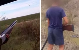 Un padre anima a su hijo de nueve años a disparar contra aves protegidas