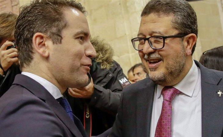 Teodoro García Egea (PP) y Francisco Serrano (VOX)