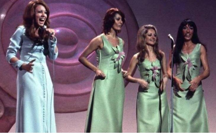 Karina con 'Un Mundo Nuevo' en Dublín 1971