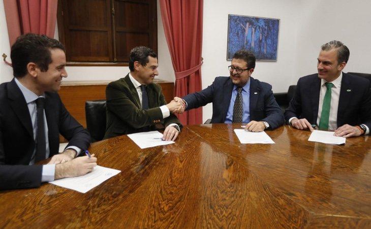 Pablo Casado tiene la intención de incorporar algunos puntos del argumentario de VOX para ocupar su espacio electoral