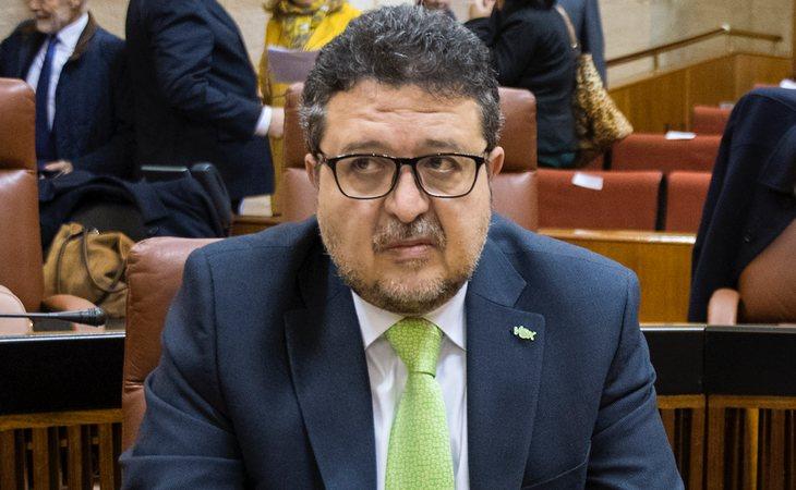 Comienza Francisco Serrano (VOX) insistiendo que son 'la fuerza decisiva del cambio'