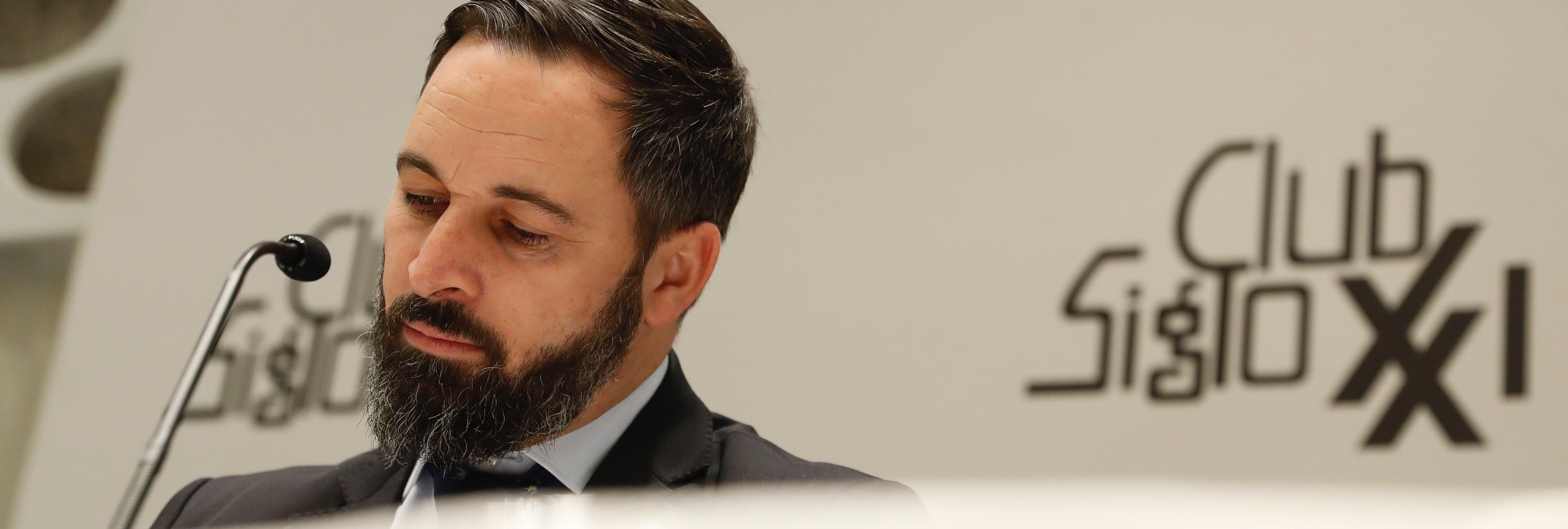 """Santiago Abascal (VOX), en ridículo al no saber responder sobre su programa: """"¡Viva España"""""""