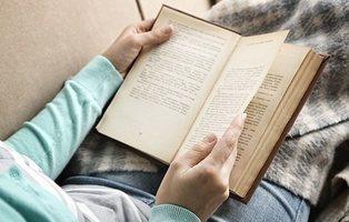Casi un 40% de españoles afirma que nunca leen