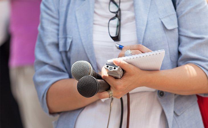 La Voz de Galicia ha reducido los sueldos y pretende despedir a un 20% de los periodistas