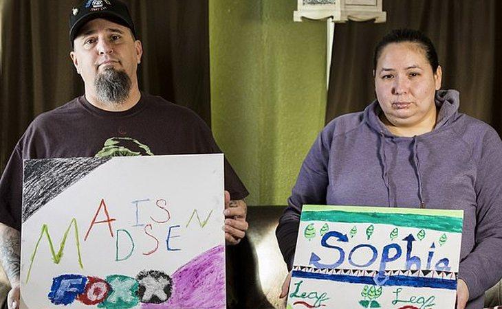 Los padres de las niñas sostienen que el bullying fue la causa del suicidio | DailyMail