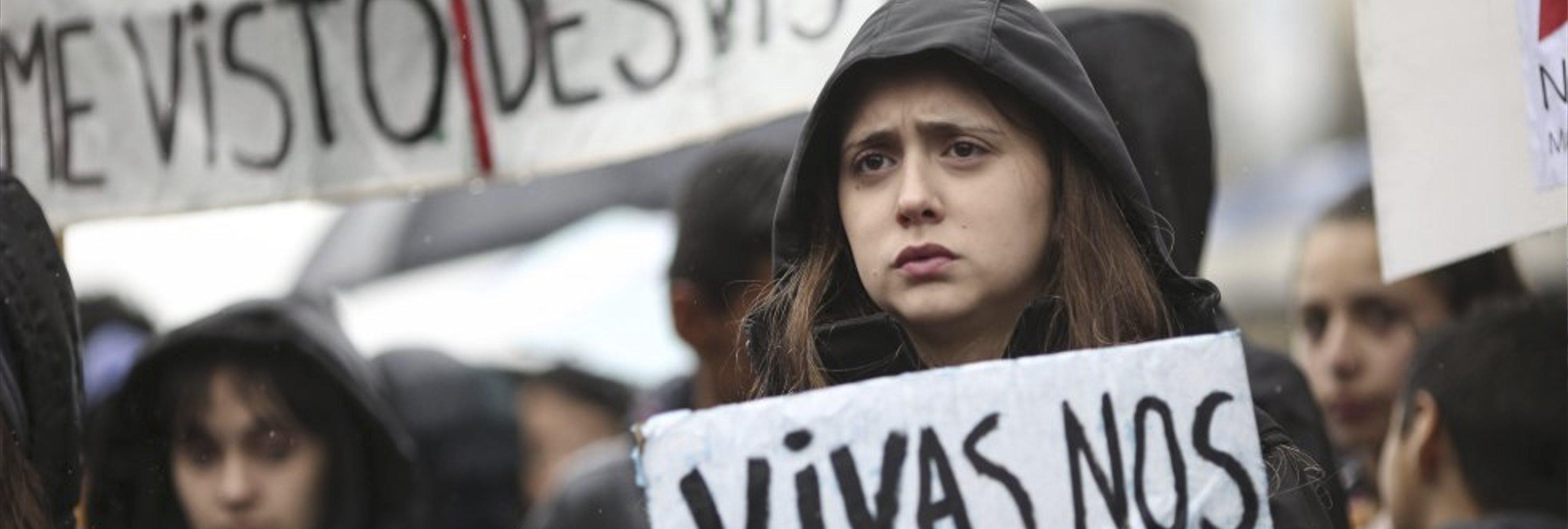 Absuelto un hombre de abofetear y romper el peroné a una joven en el centro de Pamplona