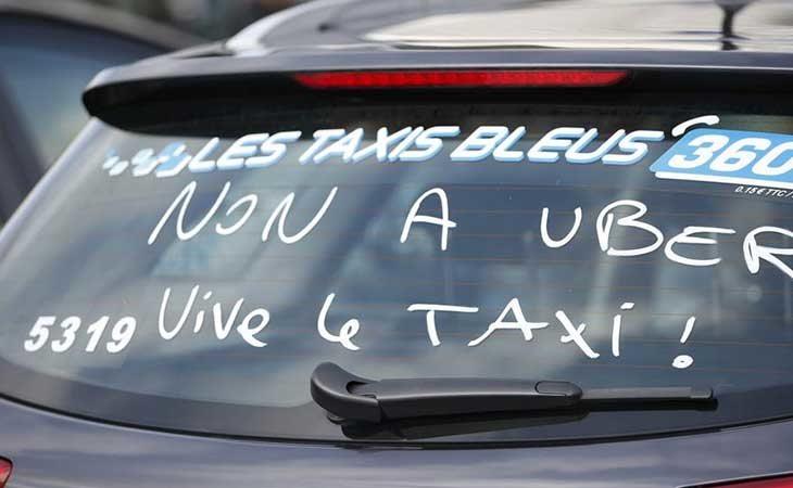 Protesta de los taxistas contra Uber en Francia
