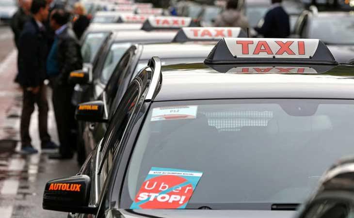 Protesta de los taxistas contra Uber en Bélgica