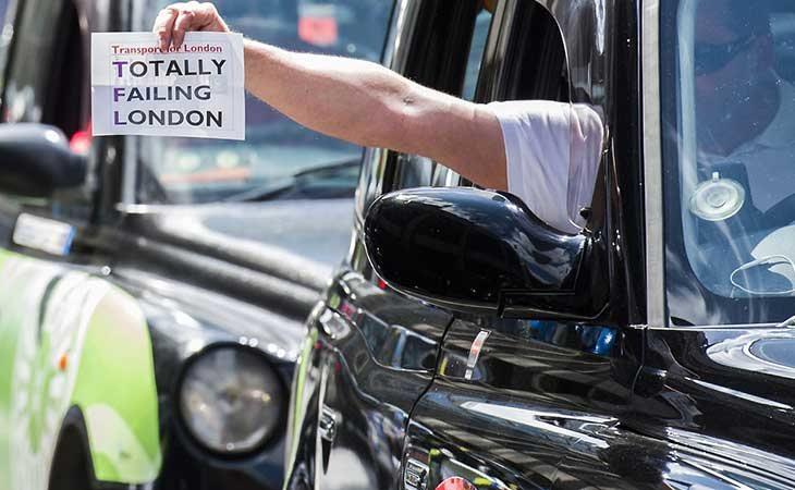 Uber perdió su licencia en Lóndres