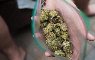 Piden dos años de prisión para un joven que portaba tres bolsas de marihuana