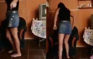 Una madre le propina una brutal paliza a su hija por pedirle una taza de té