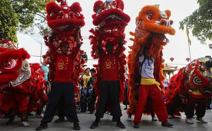 Chinos celebrando el Nuevo Año