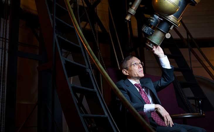 El astrofísico Abraham Loeb