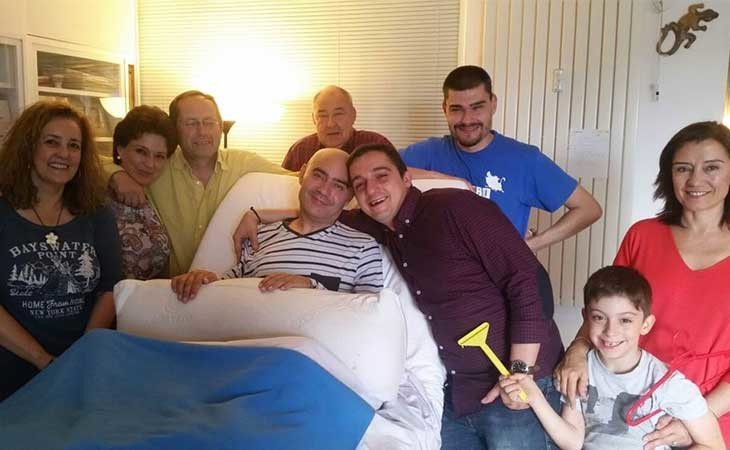 Luis de Marcos y su familia
