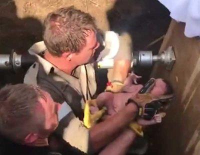 Rescatan a una recién nacida de un desagüe después de que su madre la tirara por el váter