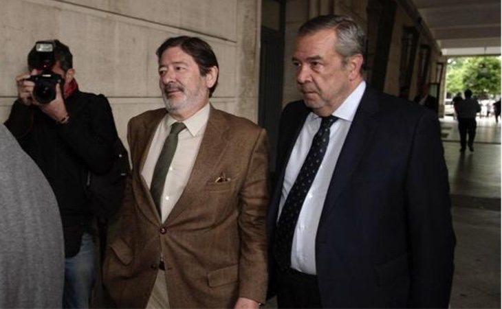 Carlos Sierra -dcha- fue el abogado de Javier Guerrero, imputado en el Caso ERE