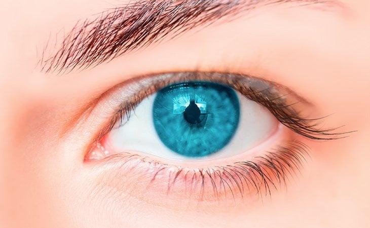 Las personas con ojos azules son inteligentes, sinceras, fuertes y sentimentales