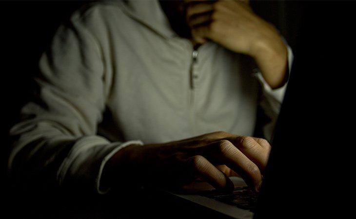 Marcos es considerado como un pederasta online