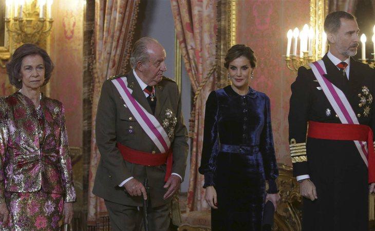 Doña Sofía, don Juan Carlos, la reina Letizia y el rey Felipe VI