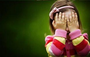 Viola y mata a una niña de 4 años porque su madre le rechazó
