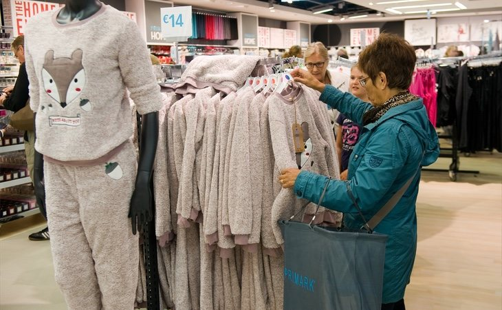 A pesar de dirigirse a diferentes tipos de consumidores, Primark está inspirando algunos movimientos de los grandes almacenes