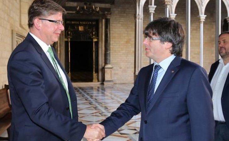Encuentro el 30 de junio de 2017 del entonces presidente de T-Systems Reinhard Clemens con Puigdemont y Junqueras   El Confidencial